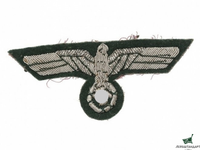 Фотография Wehrmacht Officer Eagle Shape Chevron, Germany - Увеличенное изображение