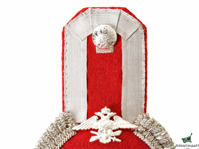 Один из видов Officers infantry-type Eupalets Imperial Russia, Silver with red upper part, red pipped.Russia. Replica   - Увеличенное изображение